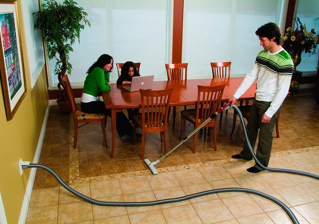 Преимущества встроенных пылесосов